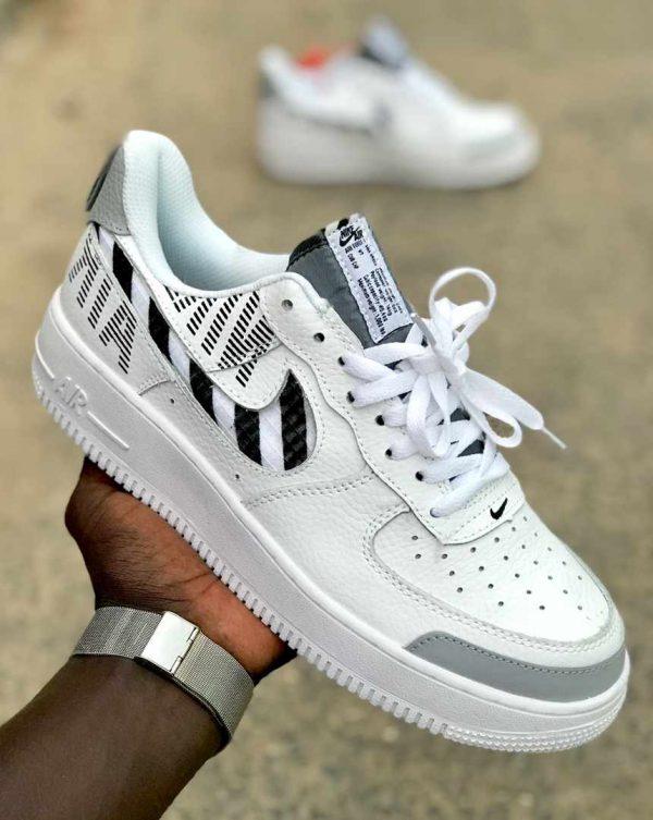 chaussure Nike blanc