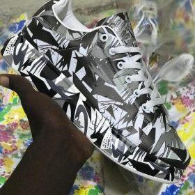 chaussurenoir blanc Alexander McQueen
