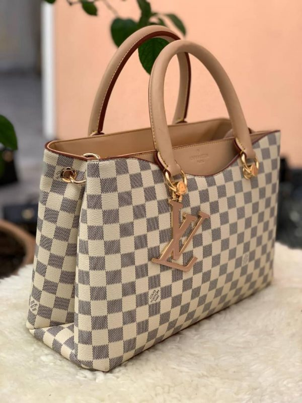 sac main Louis Vuitton